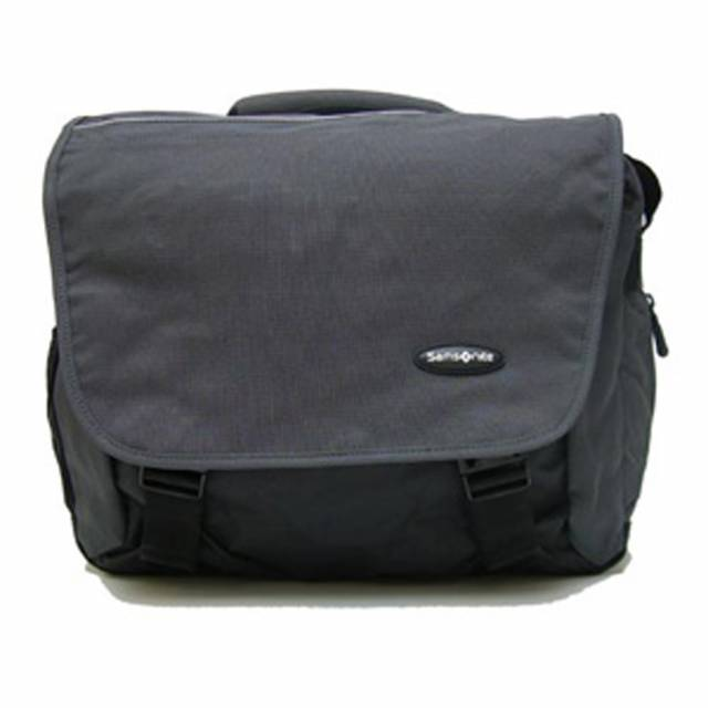 Detail messenger´s bag Samsonite S+US